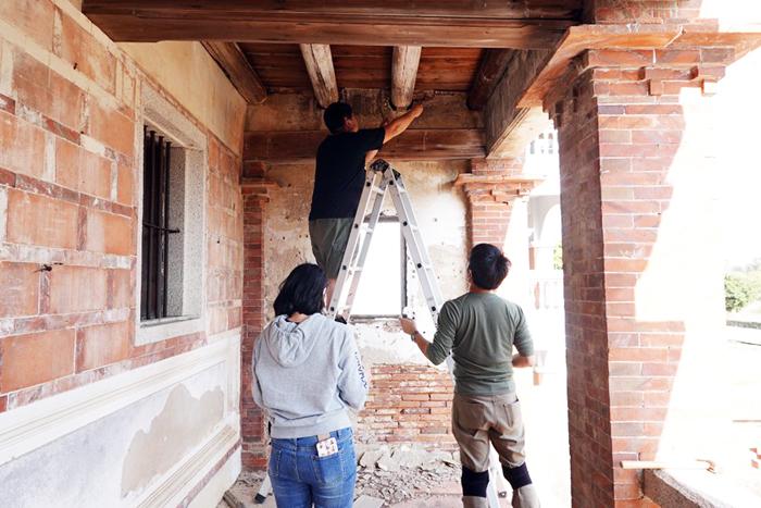 提供傳統建築之修復工法的專業服務。(金大提供)
