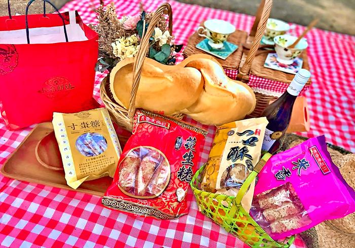 長合餅舖所有產品都採純手工製作,不加任何防腐劑,僅靠包裝來延長食品的保存期限。(長合餅舖提供)